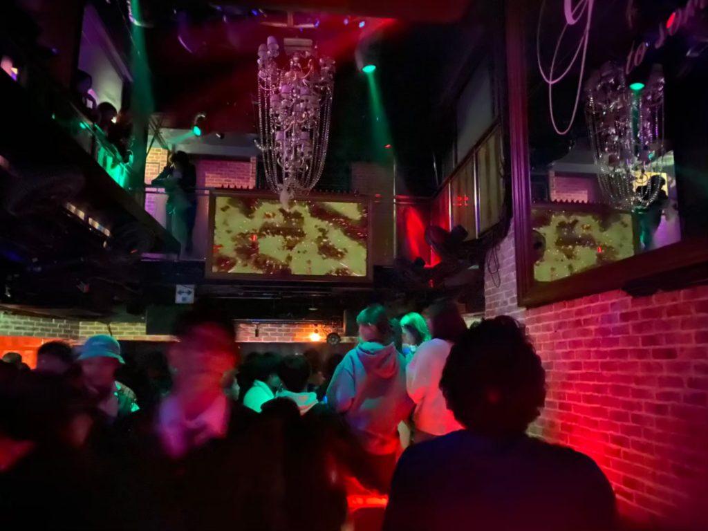 【大阪】人気クラブG2は深夜の時間帯の利用者が多い